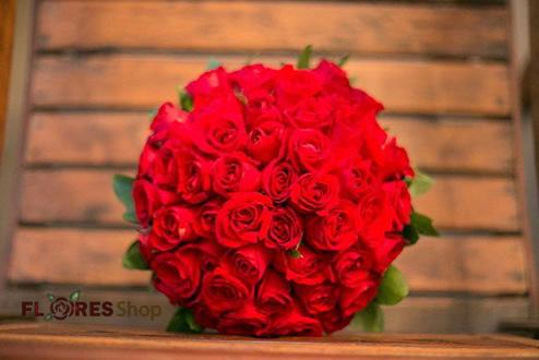 2443 Buque de noiva Rosas Vermelhas