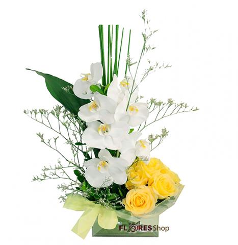 2562 Arranjo Orquídeas e Rosas